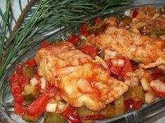 Smakuje wysmienicie... słodko kwaśna, z chrupiącymi warzywami...mmmmm... . Bardzo gorąco polecam!!:) Baked Salmon, Food And Drink, Cooking Recipes, Fish, Meat, Chicken, Baking, Chef Recipes, Pisces