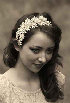 Such a beautiful headpiece!.....Jo Barnes Vintage headpiece! ♥ ♥ The Bridal Atelier