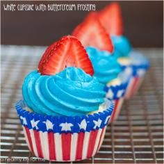 Recipe: White Cupcake With Buttercream Frosting - tableFEAST