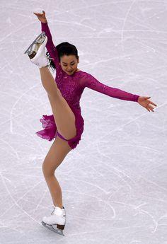 フィギュアスケート世界選手権に2季ぶりに出場した浅田真央のショートプログラムの演技=米ボストン