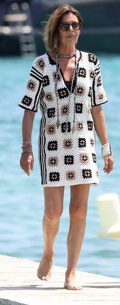 Crochet Tunic, Crochet Baby, Crochet Bikini, Knit Crochet, Royal Fashion, Boho Fashion, Crochet Designs, Crochet Patterns, Princess Caroline