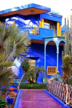 Yves Saint-Laurent's Jardin Majorelle, Marrakech, Morocco Moroccan Design, Moroccan Style, Moroccan Colors, Jardim Majorelle, Exterior Design, Interior And Exterior, Beautiful Homes, Beautiful Places, Moroccan Garden