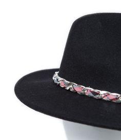 Style -  Chapeau feutre chaîne