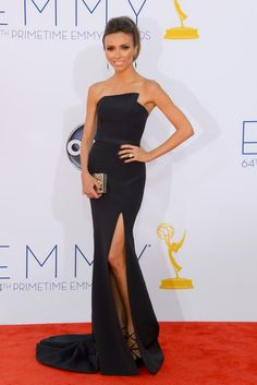 Giuliana Rancic looked gorgeous in a Romona Keveza straples gown, which she paired with Jimmy Choo heels and Sutra earrings. Giuliana Rancic, Beautiful Dresses, Nice Dresses, Formal Dresses, Gorgeous Dress, Beautiful Clothes, Party Dresses, Beautiful Things, Fendi