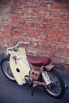 Honda SuperCub Custom Style カスタムカブ画像集 — :: free the wheels ::: Honda Cub Bobber Honda Cub, C90 Honda, Custom Motorcycles, Custom Bikes, Triumph Motorcycles, Scooter Custom, Bobber Motorcycle, Girl Motorcycle, Motorcycle Quotes