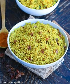 Indian Style Yellow Rice and South African Yellow Rice - 2 recipes! Lunch Recipes, Pasta Recipes, Vegetarian Recipes, Cooking Recipes, South African Recipes, Indian Food Recipes, Ethnic Recipes, African Rice Recipe, Yellow Rice Recipes