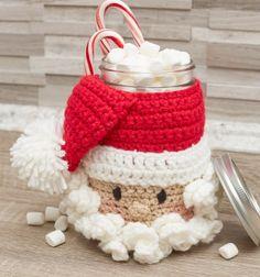 Crochet Santa mason jar cozy (free crochet pattern) // Horgolt Mikulás befőttes üveg mikulászsák (angol horgolásminta) // Mindy - craft tutorial collection // #crafts #DIY #craftTutorial #tutorial #crochet #freeCrochetPattern #Horgolás #Horgolásminta