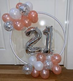 Simple Birthday Decor: 75 Creative and Economical Ideas - festa - Birthday Decoration 21 Party, Simple Birthday Decorations, Balloon Decorations Party, Baby Shower Balloons, Birthday Balloons, 18th Birthday Party, Girl Birthday, 21st Bday Ideas, Gold Party