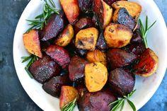 Rosemary and Maple Roasted Beats Vegan Gluten Free, Gluten Free Recipes, Great Vegan Recipes, Healthy Recipes, Vegan Side Dishes, Vegan Christmas, Beets, Tandoori Chicken