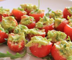 Cherry Tomatoes Stuffed with Guacamole - Divalicious Recipes Recipe Sites, Gluten Free Recipes, Low Carb Recipes, Cooking Recipes, Healthy Recipes, Avocado Recipes, Healthy Options, Guacamole, Fructose Free Recipes