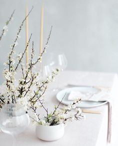 ________________ Photo Styling and creative direction… Dinner Party Decorations, Centerpiece Decorations, Floral Centerpieces, Floral Arrangements, Minimalist Wedding Decor, Minimal Wedding, Floral Wedding, Wedding Flowers, Table Setting Inspiration