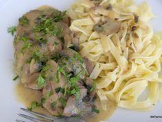 μοσχαρίσιο νουά με μανιτάρια Potato Salad, Spaghetti, Potatoes, Beef, Chicken, Ethnic Recipes, Food, Meat, Potato