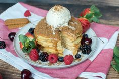 A pile of fluffy buttermilk pancakes topped generously with lotus biscoff spread, served up with vanilla icecream / whipped cream, lotus biscuit crumbles and lots of fresh berries. Biscoff Biscuits, Biscoff Cookie Butter, Biscoff Cookies, Butter Cookies Recipe, Salted Butter, Buttermilk Pancakes Fluffy, Butter Pancakes, Lotus Biscuits, Biscoff Spread