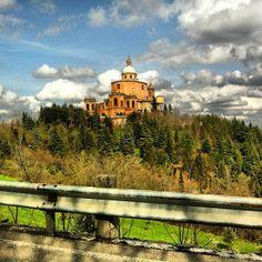 Bologna, ...verso San Luca... (foto di @chrisselavy )