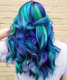 19 Most Amazing Blue Black Hair Color Looks of 2020 - 29 Colorful Rainbow Hair Ideas You Need To See Informationen zu 19 Most Amazing Blue Black Hair Colo - Purple And Green Hair, Blue Black Hair Color, Pretty Hair Color, Beautiful Hair Color, Bright Hair Colors, Hair Dye Colors, Vivid Hair Color, Colorful Hair, Fantasy Hair