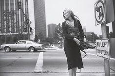 Garry Winogrand, Los Angeles, 1980-1983, gelatin silver print. © Posthumous print made by Thomas Consilvio in 1987 for the Museum of Modern Art, New York ; The Garry Winogrand Archive, Center for Creative Photography, The University of Arizona.