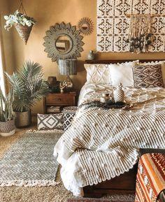 Bohemian Bedroom Decor And Bed Design Ideas… – Homedeko – Home Decor Ideas Bohemian Bedroom Decor, Home Decor Bedroom, Boho Room, Bohemian Bedding, Modern Bedroom, Trendy Bedroom, Tribal Bedroom, Boho Decor, Moroccan Bedroom Decor