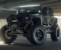Zombie Apocalypse Survival Jeep http://www.thisiswhyimbroke.com/zombie-apocalypse-survival-jeep-2