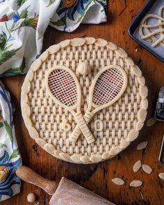 Tennis figural birthday pie with tennis rackets and ball, wickerwork pattern crust and leaf trim Creative Pie Crust, Birthday Pies, Pie Game, Fruit Cake Design, Pie Crust Designs, Biscuits, Pie Decoration, Caramel Pie, Pies Art