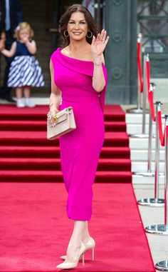 Last Night's Look: The Red Carpet Outfits You Have to See Catherine Zeta Jones, Celebrity Outfits, Celebrity Style, Celebrity Babies, Swansea, Black Midi Dress, Pink Dress, Pleated Maxi, Metallic Dress