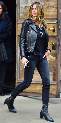 10 Celebrity-Approved Pairs of Skinny Jeans to Shop Now 5b2ee78eb5961