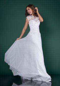 ea29622529 Carolyn - Suknia Ślubna Koronka Muślin. Wedding Dress Lace Muslin Modest   sukniaślubna  weddingdress  weddinggown  wedding  rusticwedding