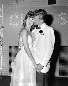 Prom date, 1953 & Prom king and queen. Vintage Prom, Vintage Love, Vintage Vibes, Prom Photos, Prom Pictures, Prom Images, Wedding Pictures, 1950s Aesthetic, 1950s Prom