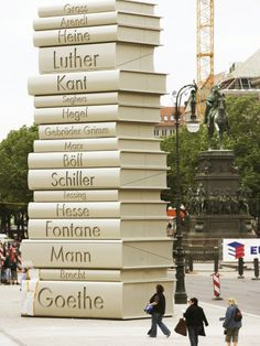 Land of Ideas sculpture.  Literature, Berlin, Germany    Land der Ideen-Literatur .Berlin    Escultura país de ideas- literatura. Berlín, Alemania