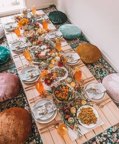 How to host a Christmas dinner party – pallet picnic style! – Connie and Luna - Pallet Furniture Project Picnic Dinner, Fall Picnic, Outdoor Dinner Parties, Beach Picnic, Indoor Picnic Date, Picnic Birthday, Backyard Birthday, Birthday Dinners, Dinner Party Decorations