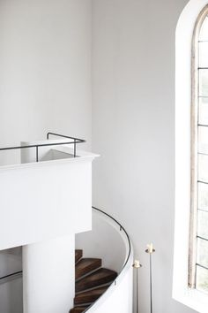 Tuscan design – Mediterranean Home Decor Interior Stairs, Interior And Exterior, Foyers, Architecture Details, Interior Architecture, Minimal Architecture, Cereal Magazine, Tuscan Design, Style Deco