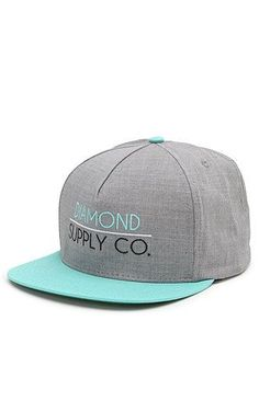 I like this hat. I like how it looks clean. I could see me wearing it. :)