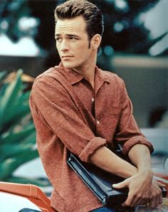 Luke Perry - The teen idol to end all teen idols, Luke Perry played Dylan McKay on Beverly Hills, 90210 for the entirety of the decade and also starred in the film version of Buffy the Vampire Slayer. You know you've made it when Cher Horowitz is saving herself for you.