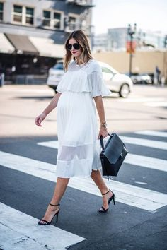 Maternity Clothes: Dressing for Your Pregnancy Stylish Maternity, Maternity Wear, Maternity Fashion, Maternity Style, White Maternity Dresses, Pregnancy Looks, Pregnancy Outfits, Baby Pregnancy, Baby Bump Style
