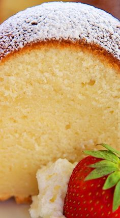 5 Flavor Pound Cake (Vanilla, Rum, Coconut, Butter, and Lemon) You may freeze in slices for a sweet treat later! Homemade Pound Cake, Homemade Cake Recipes, Pound Cake Recipes, Baking Recipes, Pound Cakes, Recipe For 5 Flavor Pound Cake, Just Desserts, Delicious Desserts, Dessert Recipes