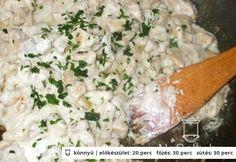 Fokhagymás-tejfölös csirkemell Hungarian Recipes, Hungarian Food, Potato Salad, Grains, Rice, Potatoes, Yummy Food, Meals, Chicken