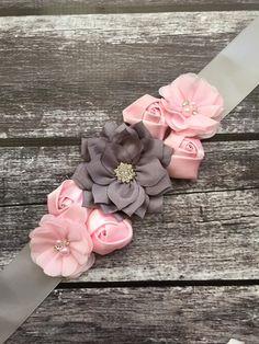 Faja maternidad rosa y gris, flores de gasa, faja de seda gris, marcos niño, bebé niña maternidad banda, rosa marco, gris, embarazo marco