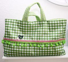 http://geliebteszuhause.blogspot.pt/2011/06/anleitung-genahte-einkaufstasche.html