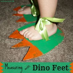 Dino feet! Kids can help make the feet and wear them for some awesome pretend play and proprioceptive input Dinosaurs Preschool, Dinosaur Activities, Art Activities, Preschool Crafts, Dinosaur Art Projects, Dinosaur Crafts Kids, April Preschool, Preschool Education, Preschool Ideas