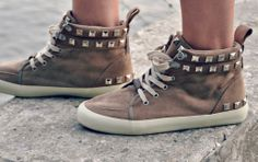DIY: studded high tops