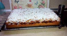 Κοινοποιήστε στο Facebook Για τη ζύμη 200 γρ.σπορέλαιο ξύσμα και χυμό από 2 πορτοκάλια 200 γρ. ζάχαρη 500 γρ. αλεύρι γ.ο.χ. 1 κ.σ. γεμάτημπέικιν πάουντερ Για τη γέμιση 5 μήλα 1 κ.σ. χυμό λεμόνι 150 γρ. ζάχαρη 100 γρ. ξηρούς...