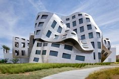 Frank Gehry Commenting on the Importance of his New Web-based Design Software  This video shows an interview with the Pritzker Prize-winning architect Frank Gehry. He is internationally well known and his buildings even his private residence, have become tourist attractions.
