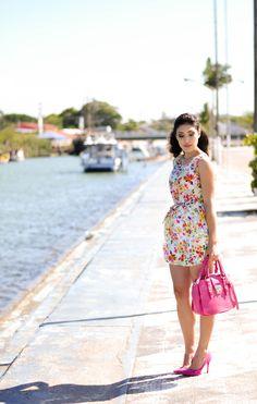 look do dia, vestido floral, vestido c&a , scarpin pink, bolsa pink