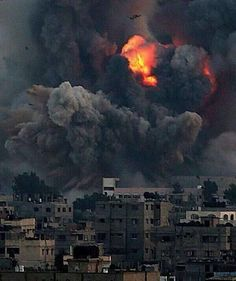 Can you sight the crescent??? I know you can't... This is Gaza for you in Ramadan ;( #GazaUnderAttack #FreePalestine