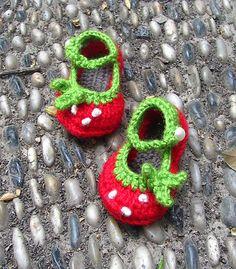 Ravelry: Strawberry Mary Janes Baby Booties pattern-PDF pattern by Yofi design.