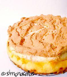 Apple Custard Meringue Dessert - an old Romanian recipe - simonacallas Meringue Desserts, No Cook Desserts, Easy Desserts, Delicious Desserts, Pie Dessert, Dessert Drinks, Chocolate Mint Brownies, Cake Recipes, Dessert Recipes