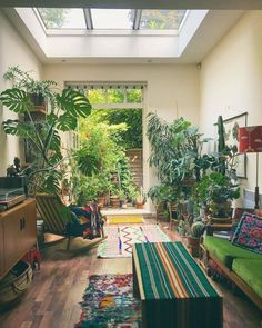 Modern Bohemian Home Interior Decor Ideas: Are you ready to learn with some of the inspiring and incredible form of the Bohemian decor ideas for the home beauty? Home Design, Home Interior Design, Interior Decorating, Design Ideas, Modern Bohemian, Bohemian Decor, Bohemian Style, Deco Nature, Bohemian Interior Design