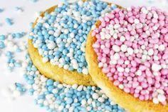 Muisjes zijn een broodbeleg dat van anijszaadjes wordt gemaakt en een roze, blauwe of witte suikerlaag heeft maar ook andere kleuren zijn soms mogelijk (bijvoorbeeld oranje).  Muisjes kunnen zowel in korrelvorm worden gegeten (de echte muisjes) als fijngemalen, de gestampte muisjes.