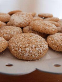Last minute: karácsonyi kekszek néhány hozzávalóból Hungarian Recipes, Sweet Cakes, Cookie Desserts, Winter Food, Pavlova, Cake Cookies, No Bake Cake, Chocolate Chip Cookies, Food To Make