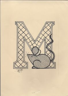 Lettre M Alphabet Design, Bobbin Lace Patterns, Embroidery Patterns, Lacemaking, Lace Heart, Lace Jewelry, Lucet, Monogram Letters, String Art