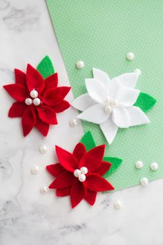 This Felt Poinsettia is such a fun holiday craft! You only need a few simple supplies. It's perfect for ornaments, gift tags and more!